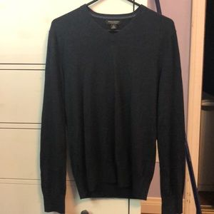 Banana Republic silk blend V-nack sweater